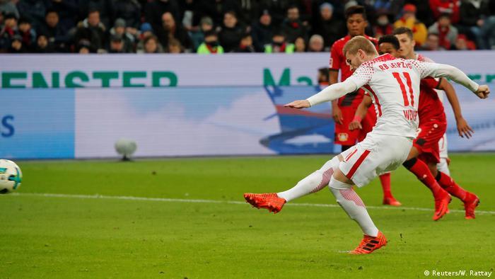 Deutschland Bundesliga Leverkusen gegen Leipzig (Reuters/W. Rattay)