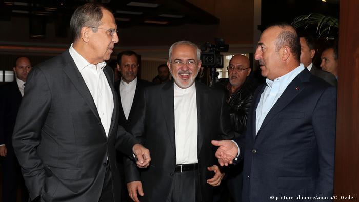 دیدار و گفتوگوی وزرای خارجه ایران، روسیه و ترکیه در آنتالیا