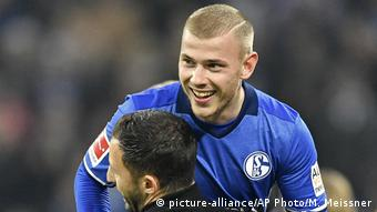 Schalke's Max Meyer and Domenico Tedesco (picture-alliance/AP Photo/M. Meissner)