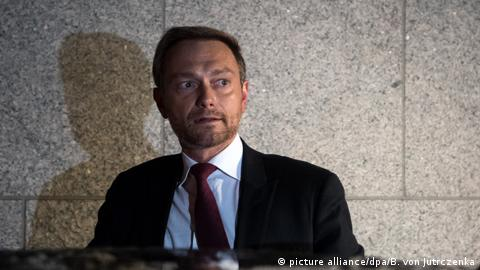 Germany's Christian Lindner of the Free Democrat Party at the collapse of coalition talks on Monday morning (picture alliance/dpa/B. von Jutrczenka)