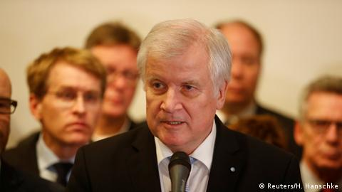 Horst Seehofer of the Christian Social Union, sister party to the Christian Democrats, speaking to media about the collapse of coalition talks (Reuters/H. Hanschke)