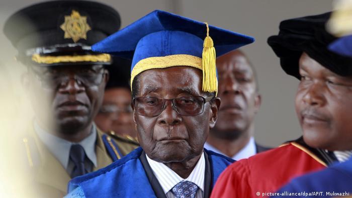 Robert Mugabe está há 37 anos no poder