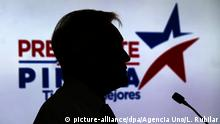 ARCHIV +++ Chiles ehemaliger Staatschef Sebastian Pinera am 12.10.2017 in Santiago de Chile (Chile) während einer Veranstaltung im Rahmen seiner Wahlkampagne. Der konservative Politiker wird erneut für das Präsidentenamt kandidieren. Die erste Runde der Präsidentenwahl wird am 19. November in Chile stattfinden. Foto: Leonardo Rubilar/Agencia Uno/dpa +++(c) dpa - Bildfunk+++  