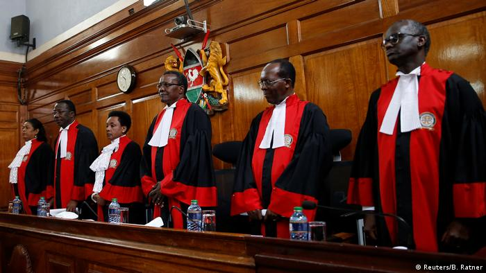 Kenyan judges in robes (Reuters/B. Ratner)
