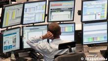 Bildnummer: 56239228 Datum: 01.11.2011 Copyright: imago/Xinhua (111101) -- FRANKFURT, Nov. 1, 2011 (Xinhua) -- A trader works at the Frankfurt stock exchange in Germany, on Nov. 1, 2011. DAX Xetra of Frankfurt ended down 306.83 points, or 5 percent, from Monday at 5834.51. (Xinhua/Philip Eichler) (wf) GERMANY-FRANKFURT-STOCKS PUBLICATIONxNOTxINxCHN Wirtschaft Gesellschaft Arbeitswelten GER Börse Börsenhändler x0x xsk 2011 quer Aufmacher premiumd 56239228 Date 01 11 2011 Copyright Imago XINHUA Frankfurt Nov 1 2011 XINHUA a Trader Works AT The Frankfurt Stick Exchange in Germany ON Nov 1 2011 DAX XETRA of Frankfurt ended Down 306 83 Points or 5 percent from Monday AT 51 XINHUA Philip Eichler WF Germany Frankfurt Stocks PUBLICATIONxNOTxINxCHN Economy Society world of work ger Exchange Exchange trader x0x xSK 2011 horizontal Highlight premiumd