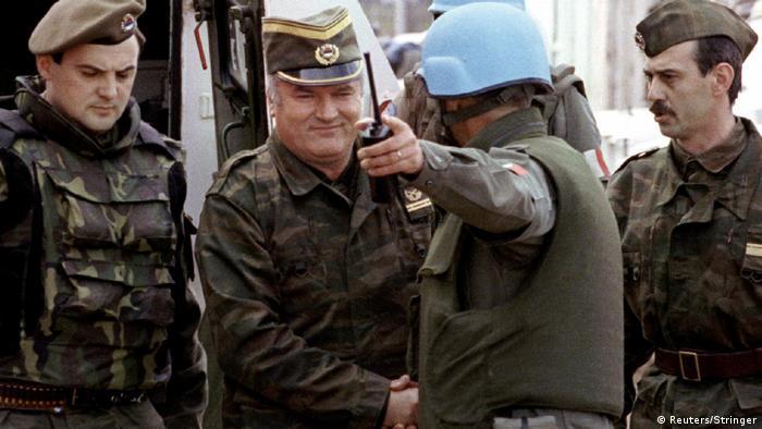 Ratko Mladič i oficir Legije stranaca, Sarajevo, 12.april 1993.