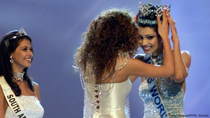 Miss India Yukta Mookhey, 20, is crowned the new M (Getty Images/AFP/A. Dennis)