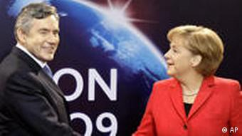 Gordon Brown und Angela Merkel bei G20 Gipfel in London