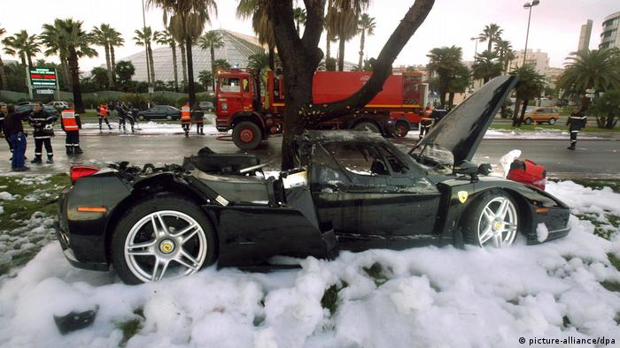 In 2006, Kerimov wrecked his Ferrari Enzo in Nice and received treatment in the seriously burned unit of La Timone hospital in Marseille