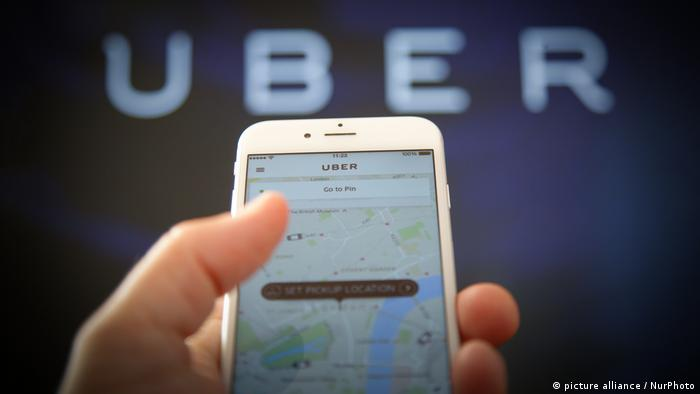 Uber app iPhone (picture alliance / NurPhoto)