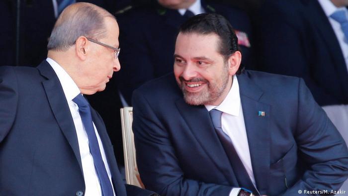 Presidente Aoun e Hariri durante uma parada militar em Beirute