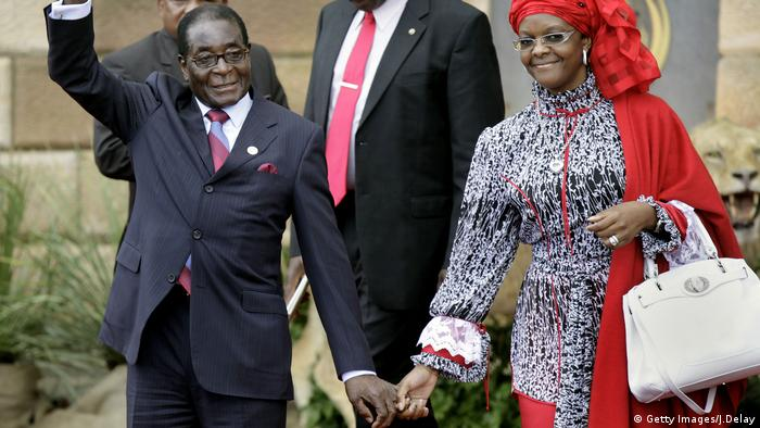Robert Mugabe und Grace Mugabe (Getty Images/J.Delay)