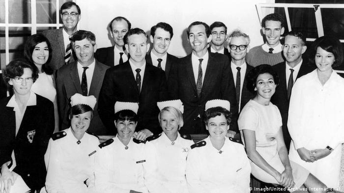 Christiaan Barnard mit Team (1967) (Imago/United Archives International )