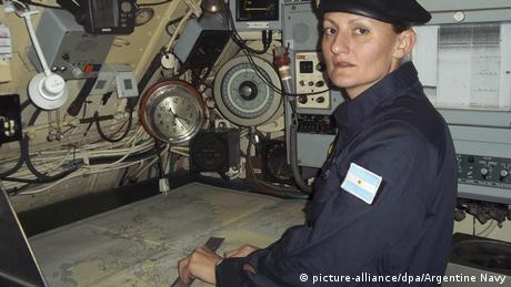 Eliana Krawczyk the first female navy submarine officer in Argentina (picture-alliance/dpa/Argentine Navy)