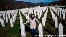 Bosnien Gräberfeld bei Srebrenica