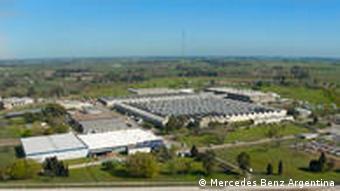 Produktionsstätte von Mercedes Benz in einem Vorort von Buenos Aires Totale (Foto: Mercedes Benz Argentina)