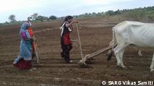 Indian farmer Nasari Chavhan at the time of sowing, Copyright: Photo shared by SARG Vikas Samiti