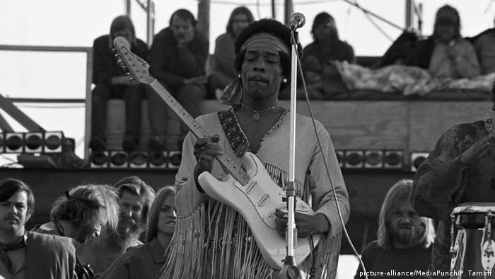 USA Woodstock 1969 - Jimi Hendrix (picture-alliance/MediaPunch/P. Tarnoff)