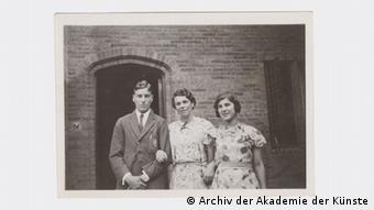 Michael Kerr mit Julia und Judith Kerr um ca. 1935-1940