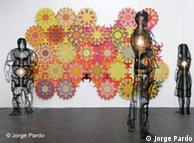Esculturas de frágiles fragmentos de vidrio de Jorge Pardo en