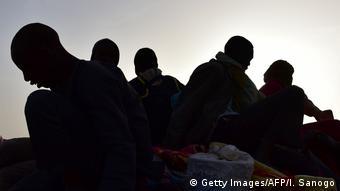 Migranten aus Westafrika Symbolbild Menschenhandel