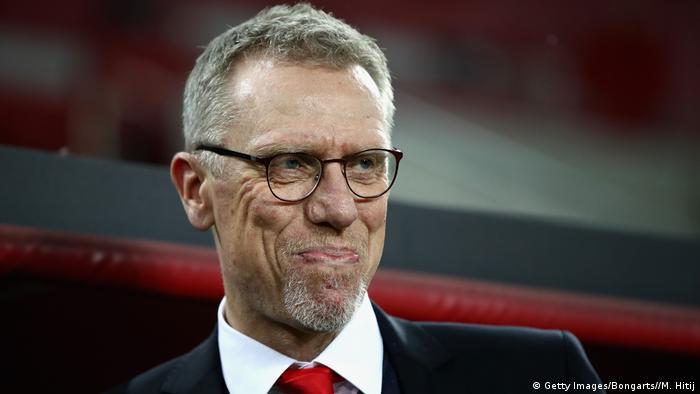 UEFA Europa League 1. FC Köln vs Arsenal FC Peter Stöger lächelt
