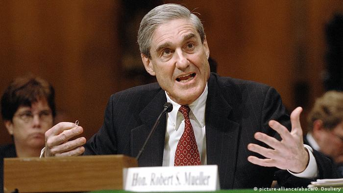 USA FBI Direktor Robert Mueller (picture-alliance/abaca/O. Douliery)