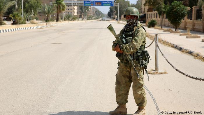 Военнослужащий регулярной российской армии в Сирии, символическое фото из архива