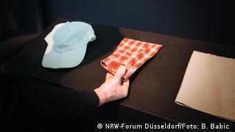 Chancellor Angela Merkel's hiking outfit (NRW-Forum Düsseldorf/Foto: B. Babic )