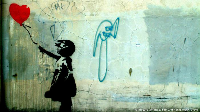Banksy's Girl with a balloon (picture-alliance/ PYMCA/Photoshot/O. Grove)
