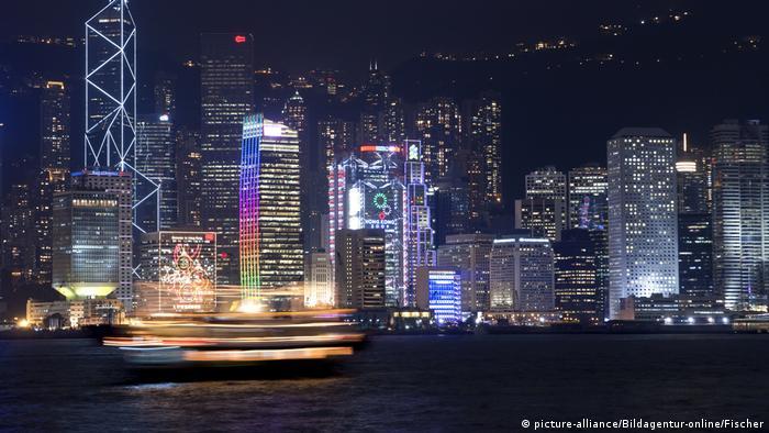 در سال ۲۰۲۱ در هنگ کنگ ۸۰ فرد ثروتمند زندگی میکنند که مجموع ثروت آنها ۴۴۸ میلیارد دلار است.