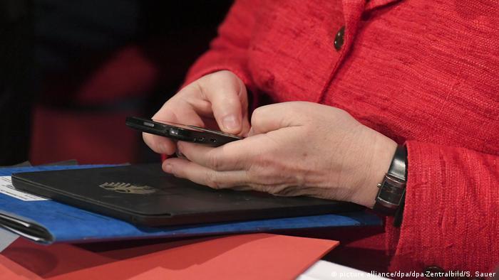 Deutschland Handy im Bundestag