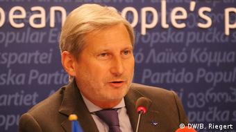 EU Johannes Hahn EU-Kommissar (DW/B. Riegert)
