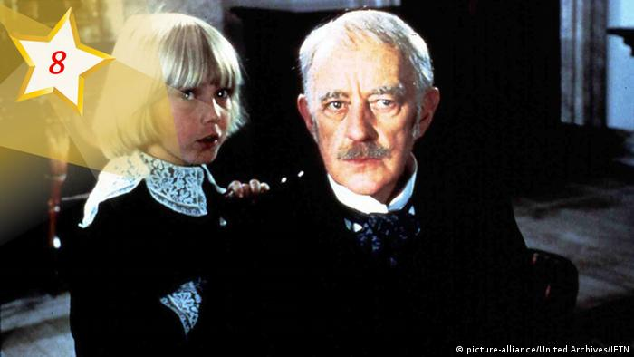 Actors Ricky Schroder and Alec Guinness in Little Lord Fauntleroy (picture-alliance/United Archives/IFTN)
