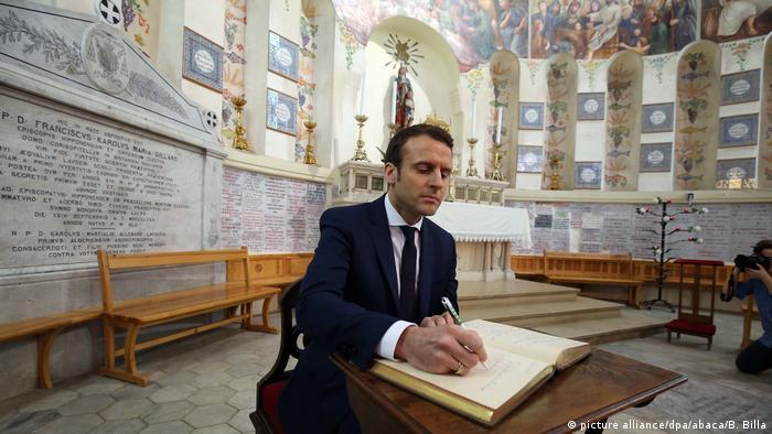 Algerien Emmanuel Macrons zu Besuch (picture alliance/dpa/abaca/B. Billa)