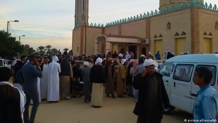 Ägypten Sinai Al Arish Anschlag auf Rawda Moschee (picture-alliance/AA)