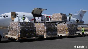 Jemen Flugzeuge mit Hilfsgütern im Sanaa gelandet (Reuters)