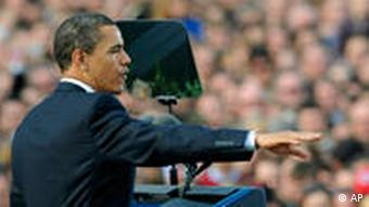 US President Barack Obama delivers his public speech in front of thousands of people on the Hradcanske square near the Prague Castle in Prague, Czech Republic, on Sunday, April 5, 2009. Obama later on Sunday attends a summit with EU leaders. (AP Photo/CTK, Michal Kamaryt) ** SLOVAKIA OUT **