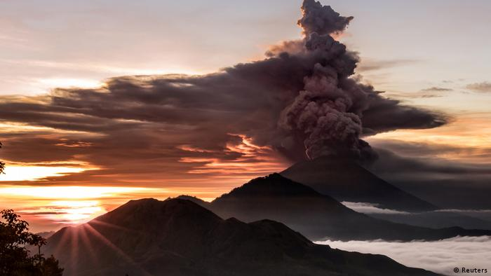 Bali's Mount Agung Erupts For Second Time This Week