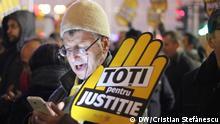 26.11.2017 +++ 30.000 Menschen haben Sonntagabend in der rumänischen Hauptstadt Bukarest gegen Korruption und Veränderung der Justitzgesetze protestiert.