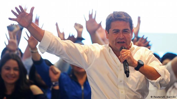 Honduras Präsident Hernandez erklärt sich zum Wahlsieger (Reuters/E. Garrido)