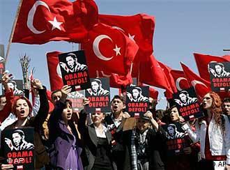 تظاهرات در استانبول علیه سفر باراک اوباما به ترکیه