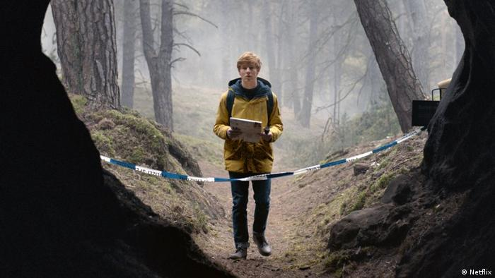 Netflix series Dark: a boy in the forest (Netflix)