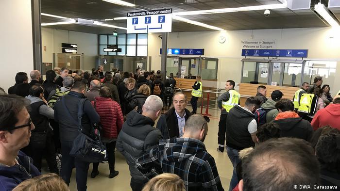 Stuttgart Flughafen Einreise Griechen
