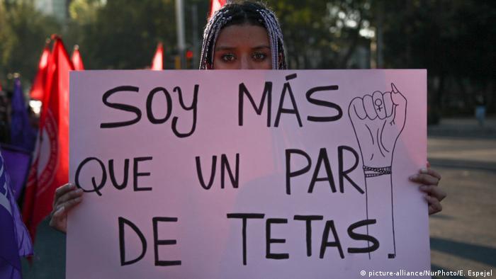 Internationaler Tag zur Beseitigung von Gewalt gegen Frauen (picture-alliance/NurPhoto/E. Espejel)