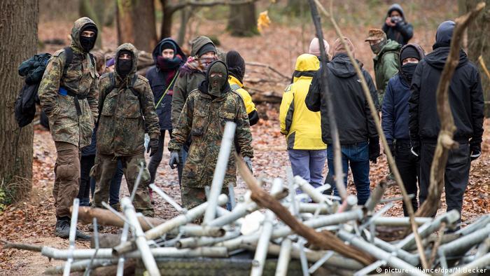 Deutschland, Rodungen im Hambacher Wald