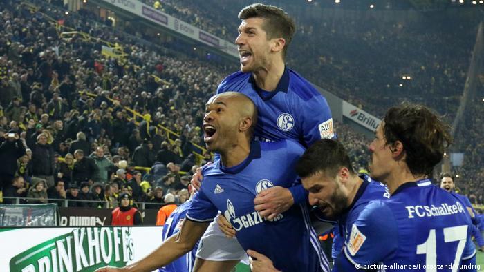 Bundesliga Borussia Dortmund - FC Schalke 04 (picture-alliance/Fotostand/Wundrig)