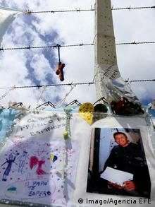 Families leave messages to lost loved ones at the Mar del Plata naval base
