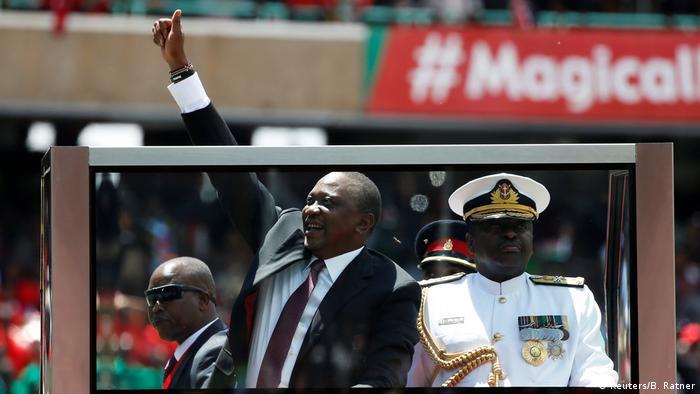 President Uhuru Kenyatta arrives for his inauguration (Reuters/B. Ratner)
