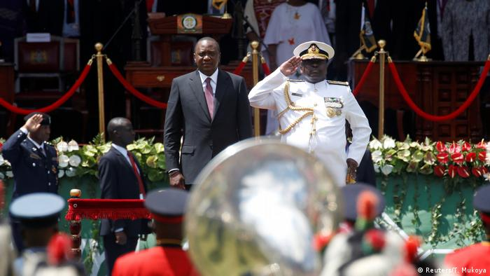 President Uhuru Kenyatta arrives for his inauguration (Reuters/T. Mukoya)